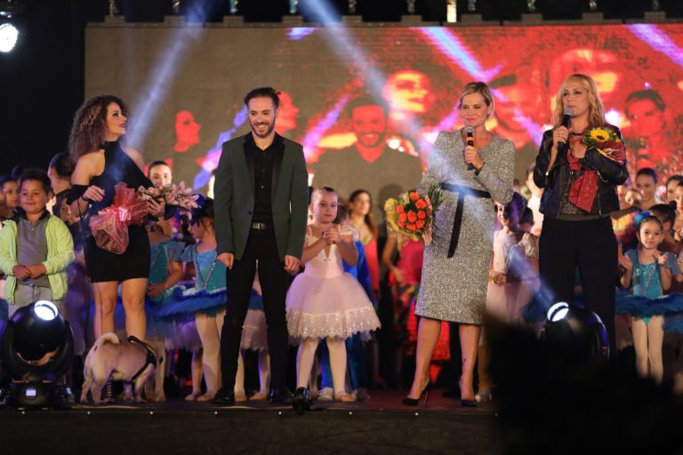 """Simona Ventura e Francesco Capodacqua hanno presentato """"Il più grande spettacolo dopo il big bang"""" realizzato dalla scuola di danza """"Art Show Dance Academy"""""""