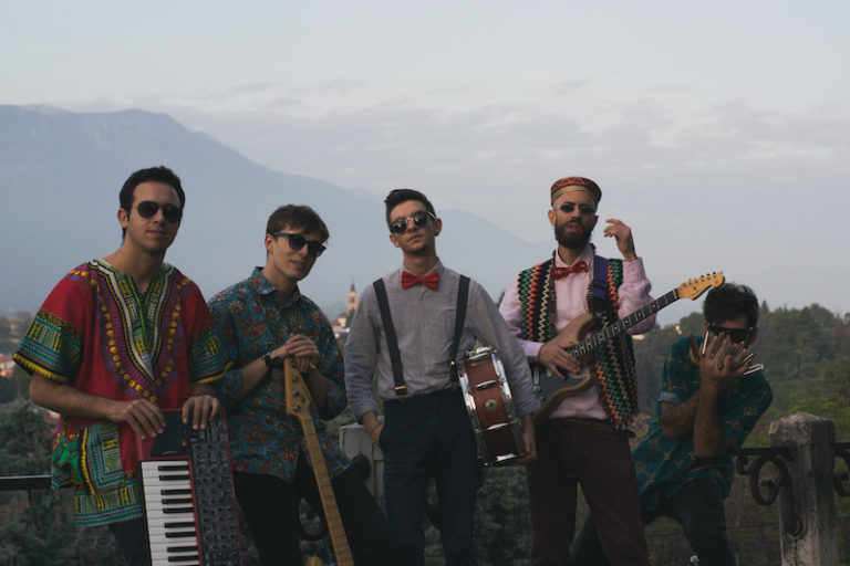 """LAS FLORES MOLESTAS – Il singolo di debutto è """"Rosia Montana"""""""