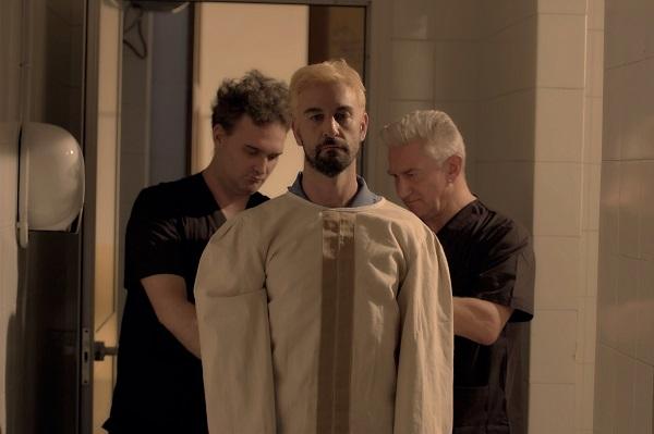 REVERSE, un film di Mauro John Capece. Dal 21 aprile sulle maggiori piattaforme di streaming.