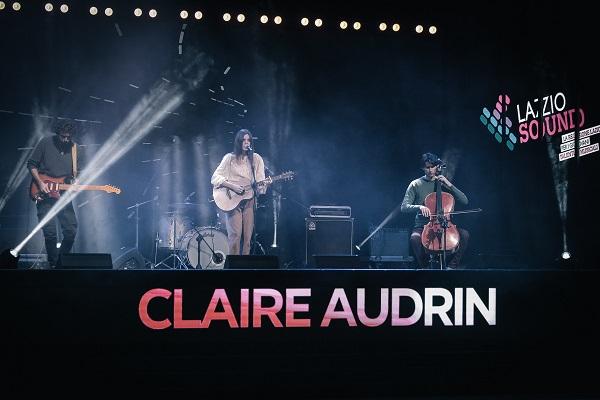 SOSPESA. Dalle strade di Londra al palco di LAZIOSound, esce il 25 Giugno il nuovo videoclip del primo singolo in italiano di Claire Audrin