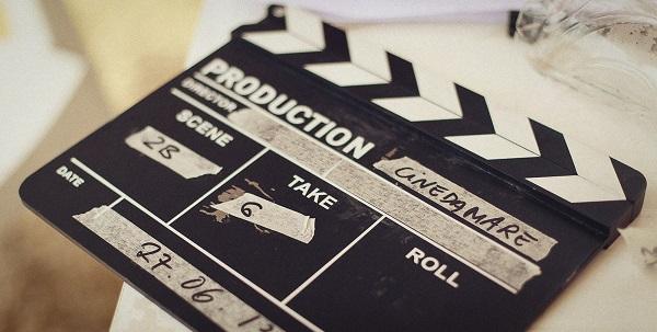 A Forte dei Marmi arriva CinemaDaMare. Il più grande raduno internazionale di aspiranti filmmaker per una staffetta di cinema tra produzione, workshop e visione