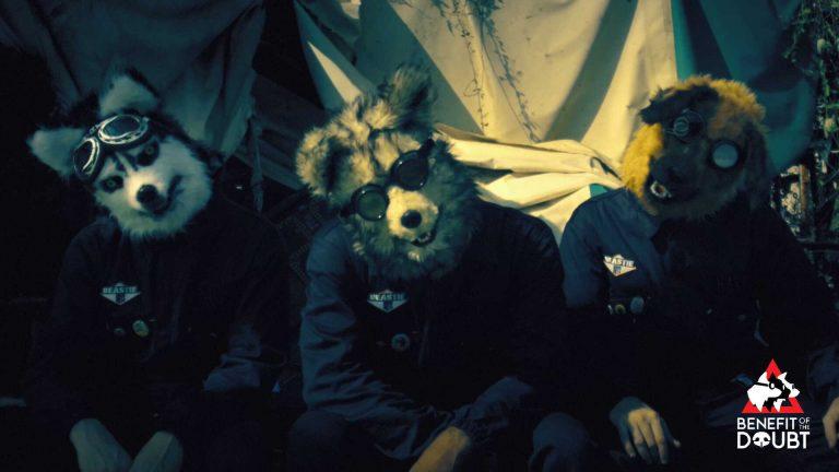 """Benefit of the Doubt – Da oggi in digitale l'omonimo album d'esordio del misterioso trio. Su YouTube il video del secondo singolo """"I'm Dalthonic"""""""