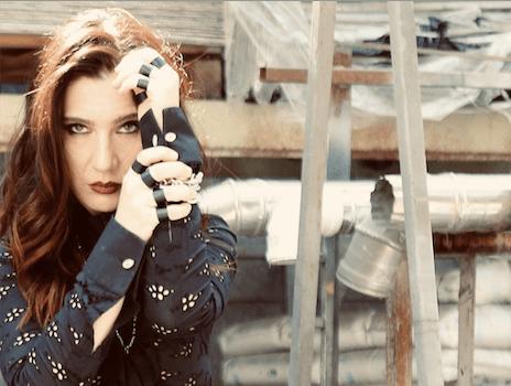 """Giovanna Turi torna con il suo nuovo singolo """"Cosa non si fa""""!"""